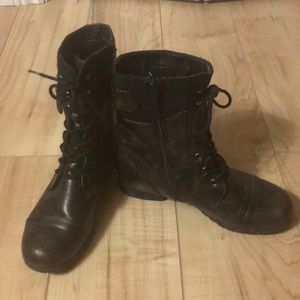 Military/combat style ladies boots, size 9